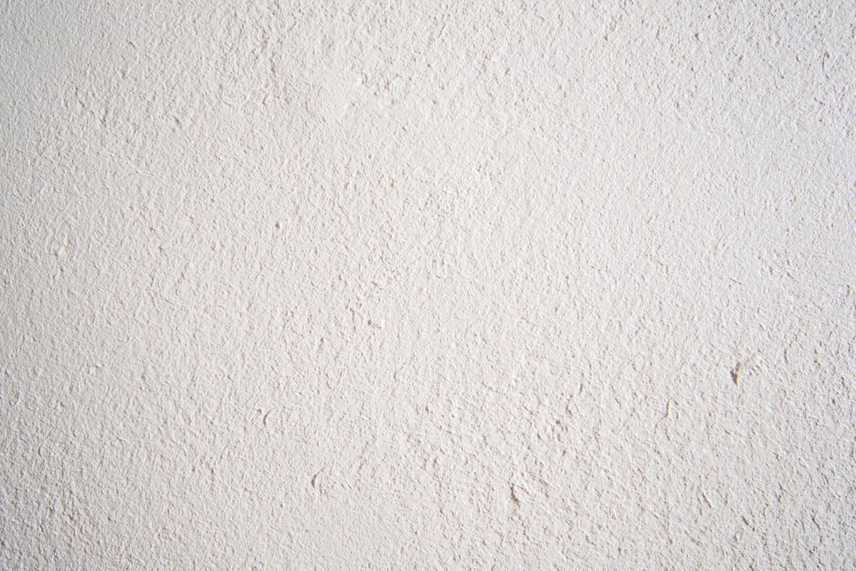 内壁・天井もオリジナルしっくい塗り。