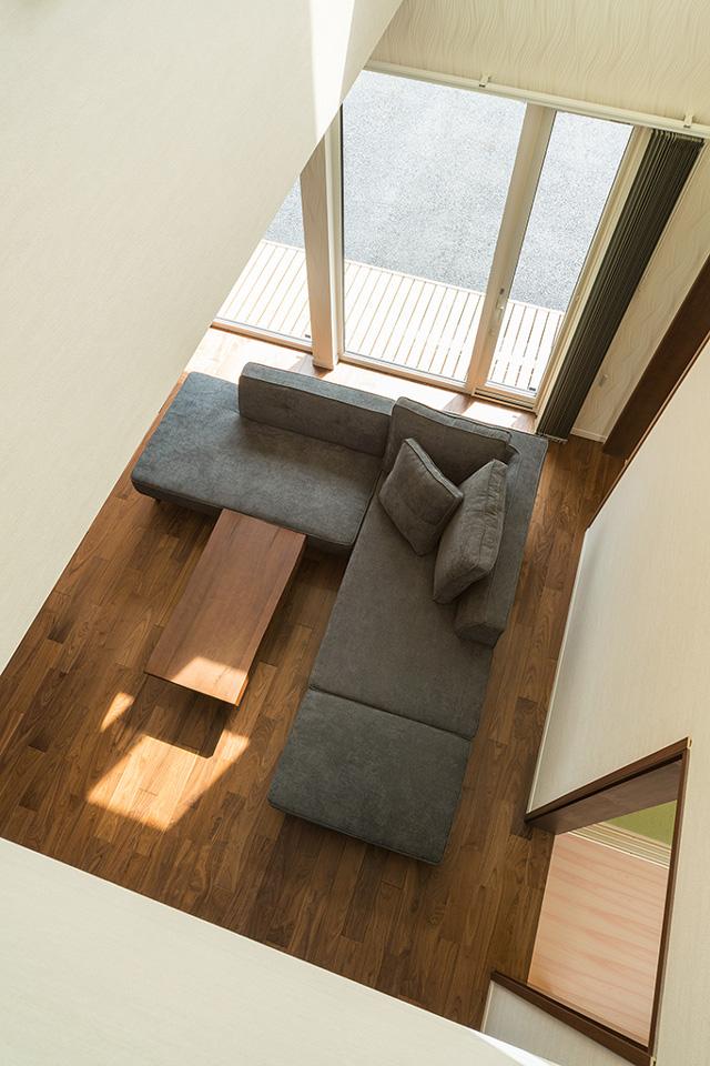 明るい家が理想、日中は電気を付けず自然の光で過ごしたい
