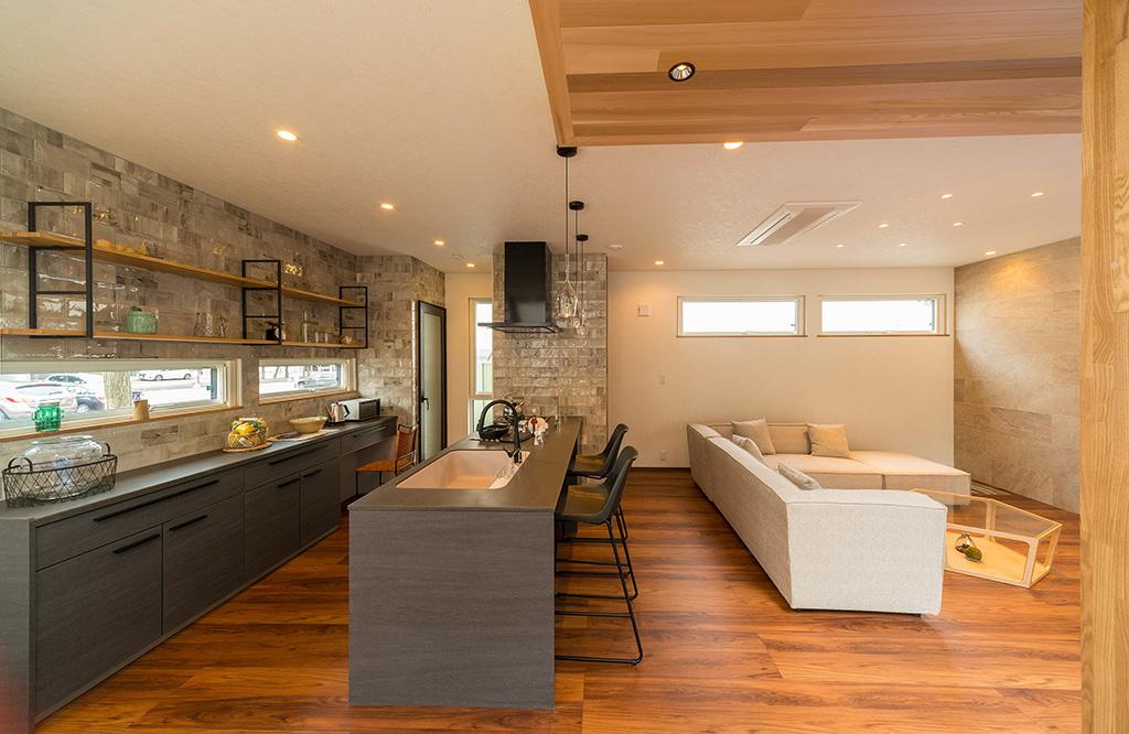 キッチンは家の「S席」に